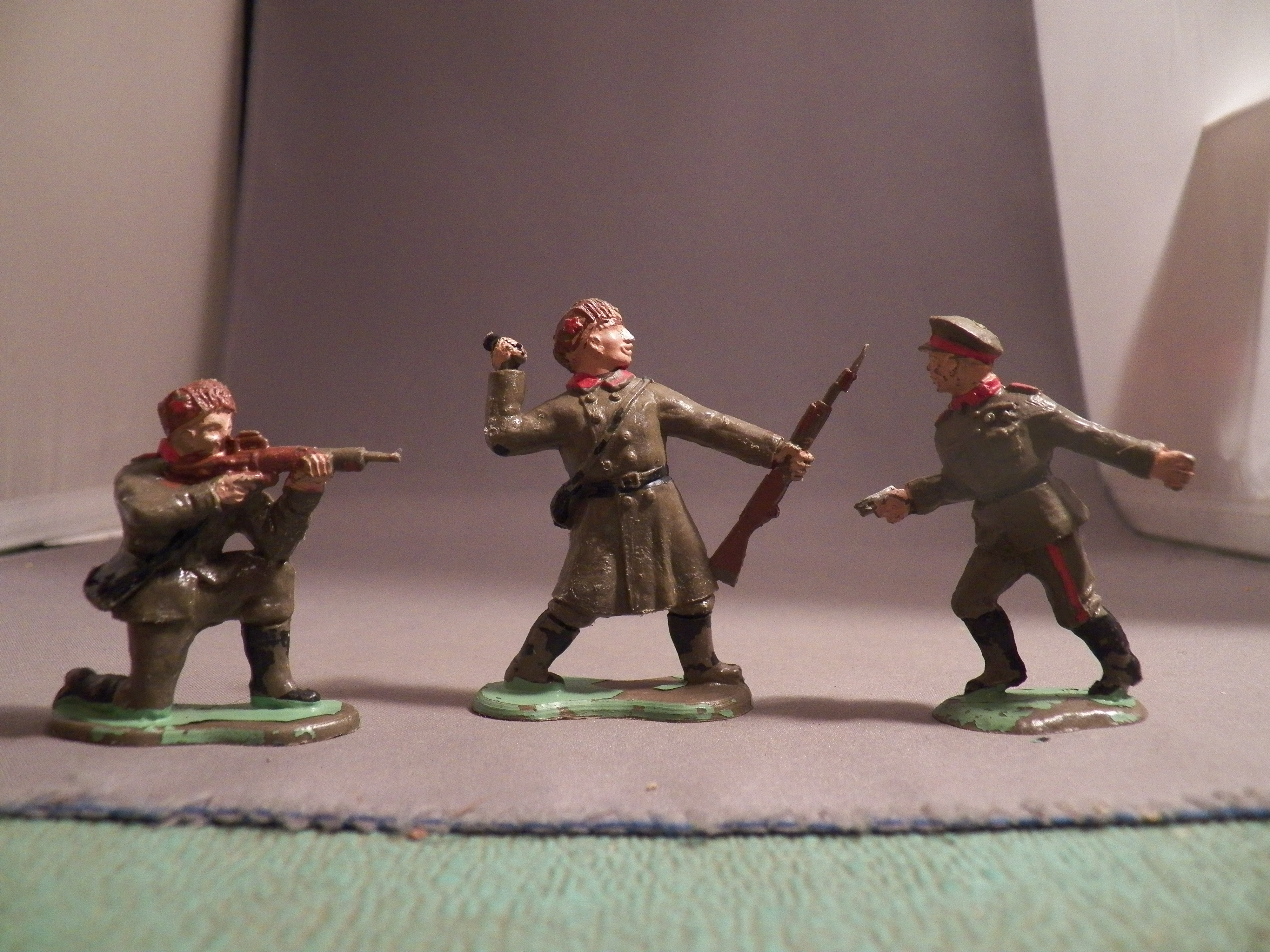 Overview Crescent Toy Soldiers Figures - Stad's StuffStad's