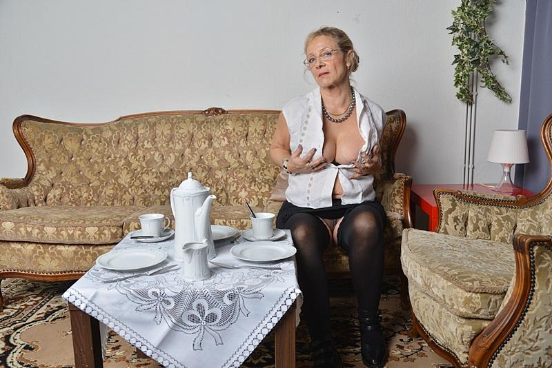 Deine wilde Oma aus der Nachbarschaft