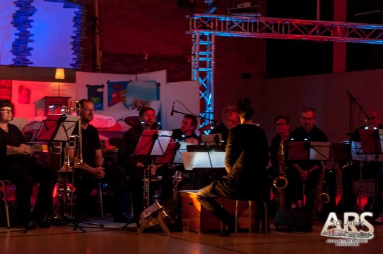 """Musiker der Stadtkapelle während der Aufführung - Wir danken dem Rechteinhaber """"Musik und Bühne"""" für die Erlaubnis zur Veröffentlichung der Aufnahme"""