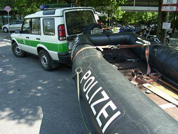 Polizei Boot Taucher Isar