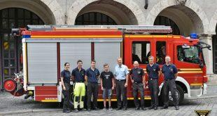 Lebensretter Florian (Mitte) besucht die Feuerwehr München Quelle Foto Berufsfeuerwehr München