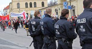 Demo gegen die Münchner Sicherheitskonferenz