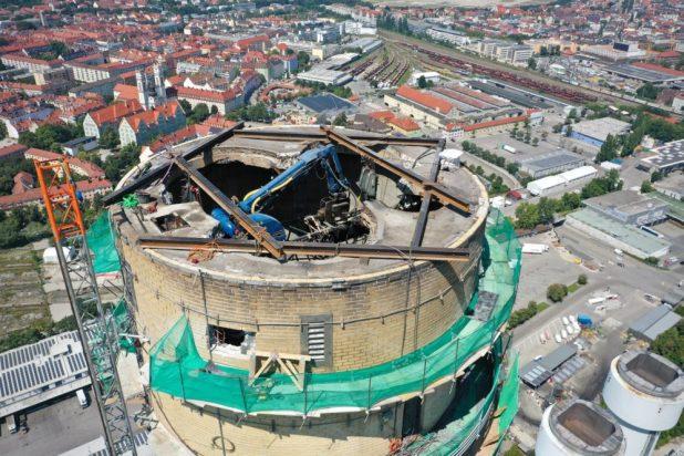 Abriss Kamin Heizkraftwerk München Süd