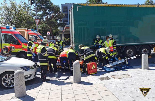 Radfahrerin bei Abbiegeunfall schwer verletzt