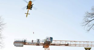 Bewusstloser Kranführer mit Hubschrauber geborgen
