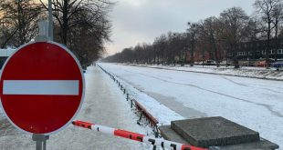 Nach Einbrüchen ins Eis Nymphenburger Kanal komplett mit Flatterband abgesperrt