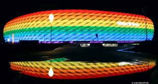 Allianz Arena in Regenbogen-Farben