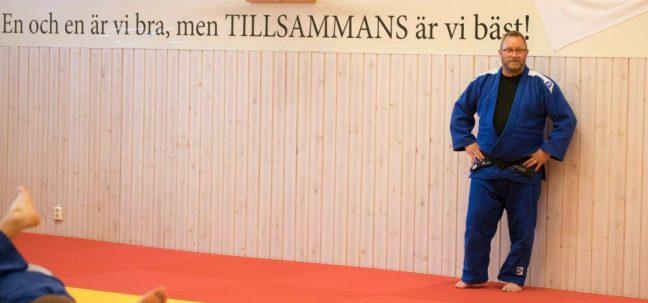 Martin Andréason får Staffanstorps kommuns ungdomsledarpris för sina insatser som tränare och coach för tävlingsgrupperna.