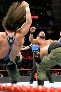 VIDEO: Chad Gable & Bobby Roode vs. AOP & Drake Maverick – Raw 2018