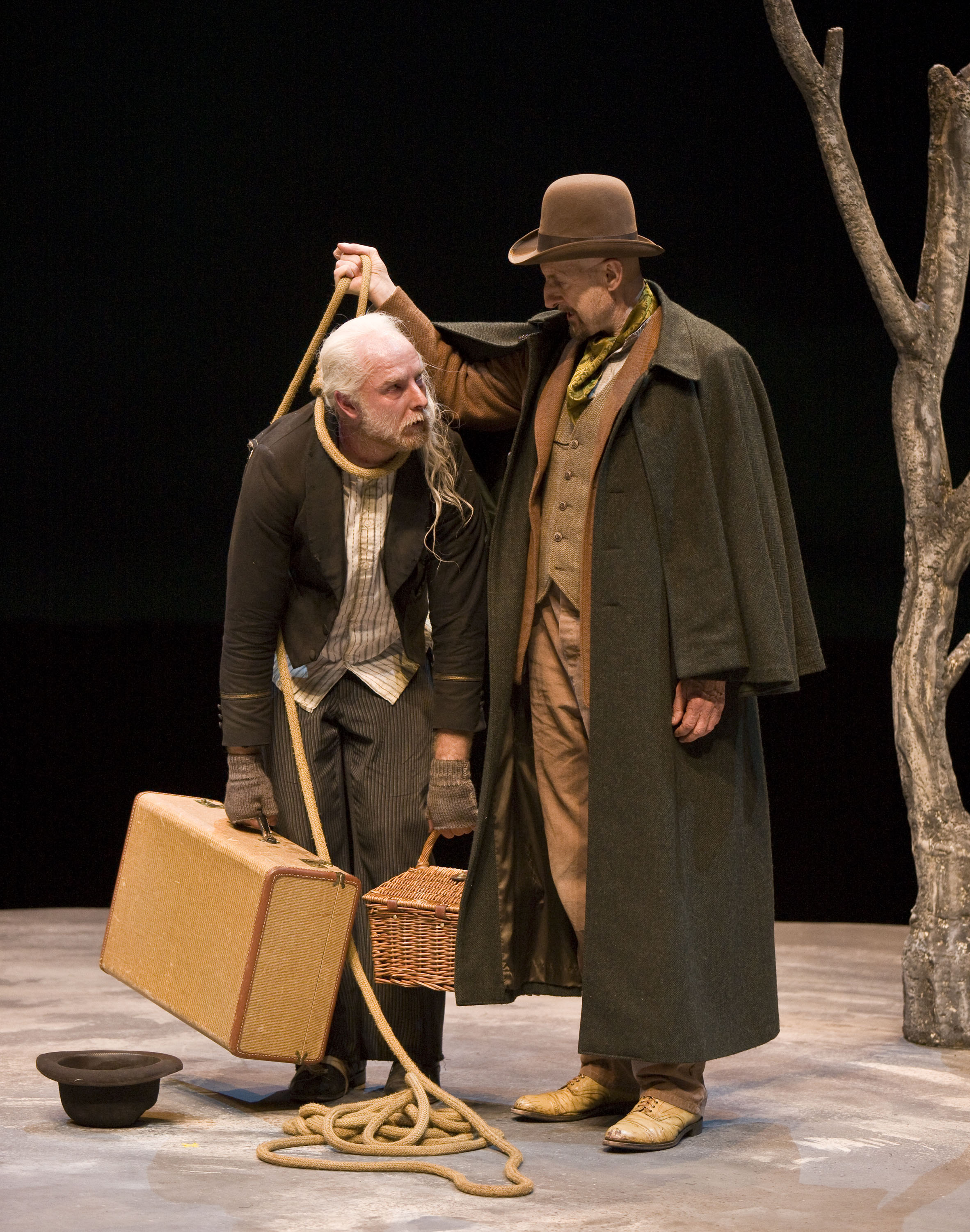 review waiting for godot by samuel beckett strangertogravity pozzo and lucky