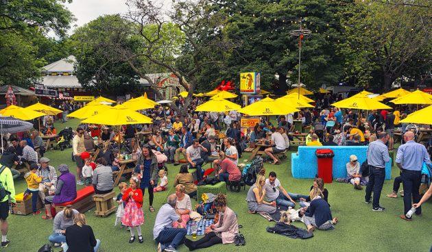 Fringe-Festival-meeting-new-people
