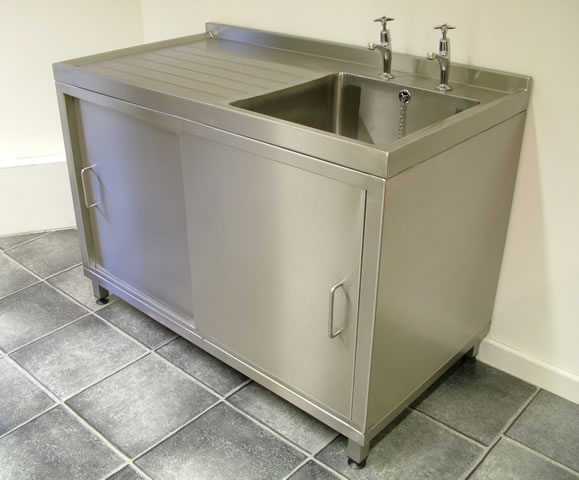Stainless Steel Free Standing Sink.