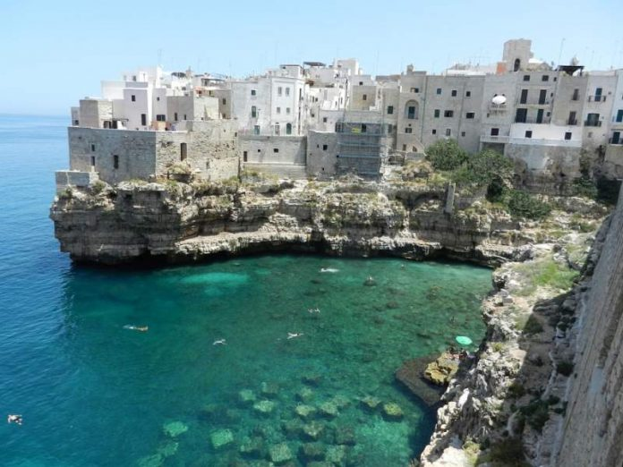 Tourists to Italy will need to pre-register to visit some regions this summer -