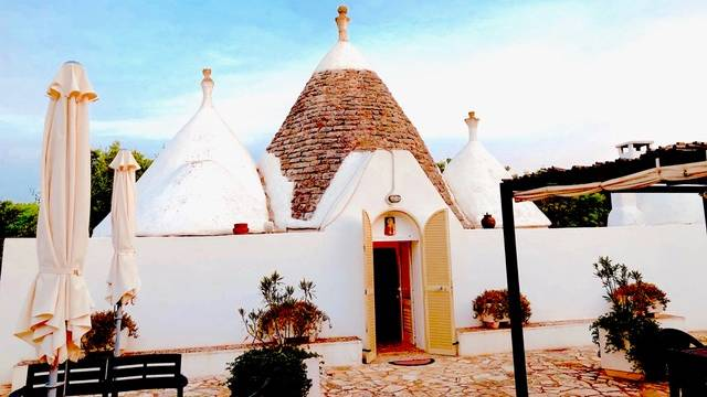 Picture perfect accommodation in Puglia ticks all the boxes.