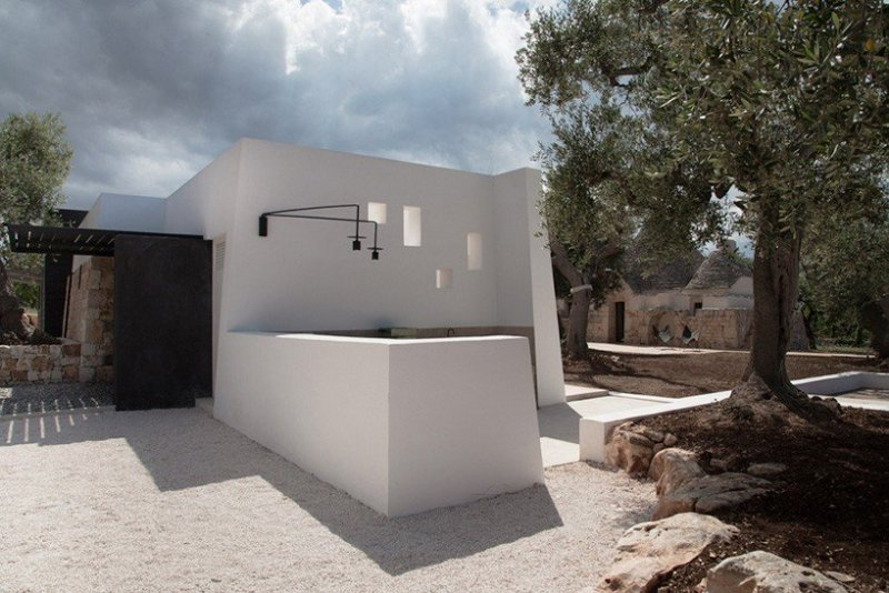 luca-zanaroli-architects-jmg-house-italy-designboom-05