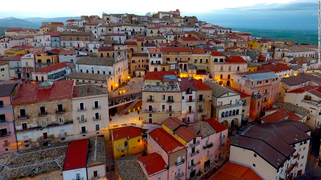 Candela: The Italian town paying people to move there