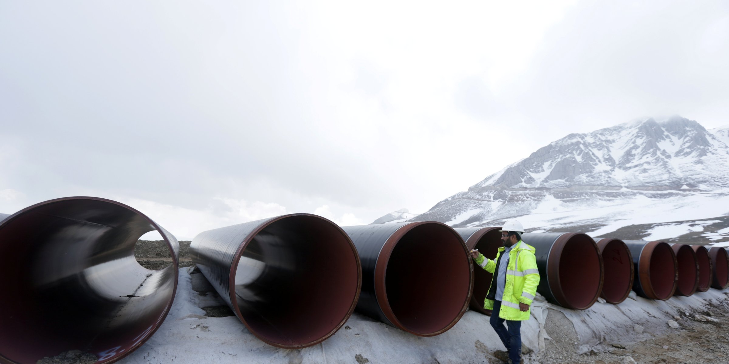 1st-ever direct pipeline between Azerbaijan, Europe ready to deliver gas