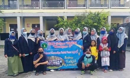 Ramadan Berkah; Mahasiswa STAI Sufyan Tsauri Berbagi Takjil Gratis
