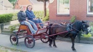 Ik, mijn moeder en Evita voor de kar 2002