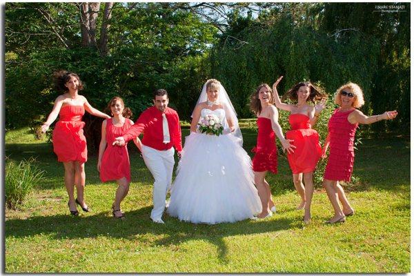 Groupe en rouge et blanc