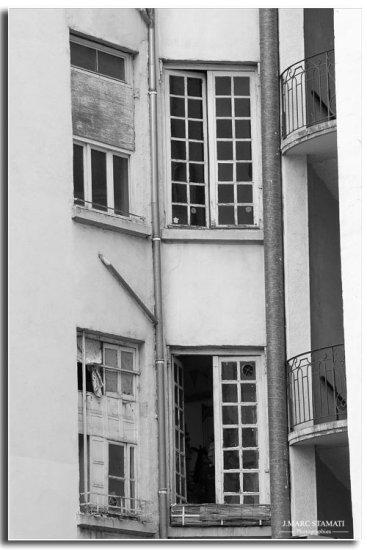 photographe Avignon noir et blanc. Traboule du vieux Lyon