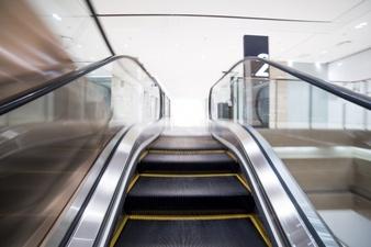escalator-view_1088-315