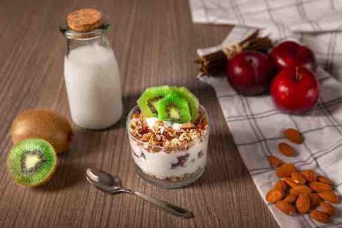 Piatto con cereali e kiwi