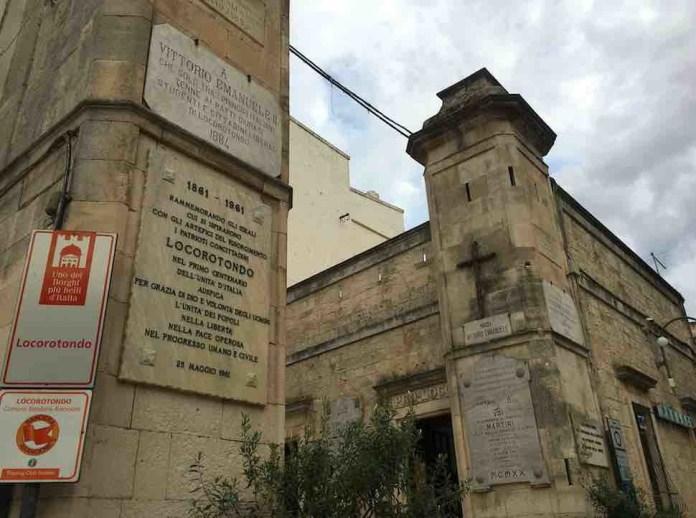 L'ingresso al centro storico di Locorotondo