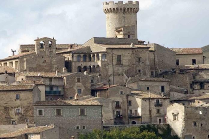 Abruzzo, foto panoramica di Santo Stefano di Sessiano