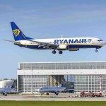 Ryanair, aereo in decollo vicino aeroporto
