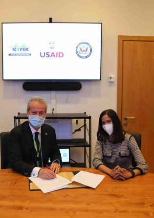 Donazione: firma accordo Meyer e governo Usa