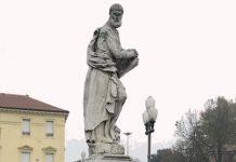 Ferrara, statua di San Filippo Neri