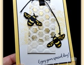 Bee-utiful Texture using Embossing Powder and Dynamic Embossing folder by Leonie Schroder Independent Stampin' Up! Demonstrator Australia