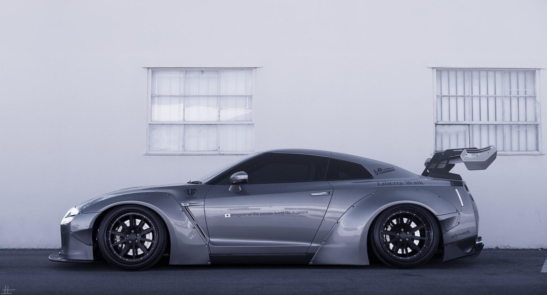 Liberty Walk Nissan GTR StanceNation Form Gt Function