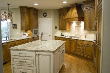 Rustic Alder Kitchen Parade Home | Standard Kitchen & Bath | Knoxville Kitchen Cabinets