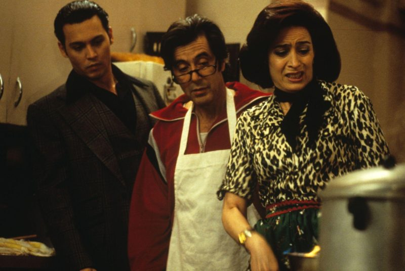https://i2.wp.com/www.standbyformindcontrol.com/wp-content/uploads/2015/05/still-of-johnny-depp-and-al-pacino-in-donnie-brasco-1997-large-picture.jpg