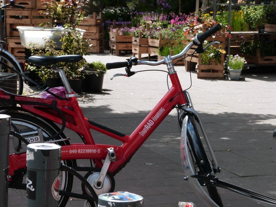 Wat is er te doen in Hamburg tijdens je stedentrip: spring op de fiets