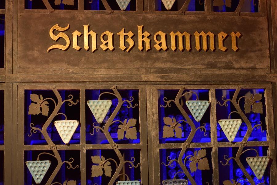 Bezoek te wijnkelder onder het Bremer Rathaus