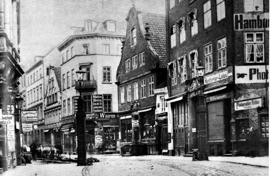 Grenspaal tussen Hamburg en Altona in 1880