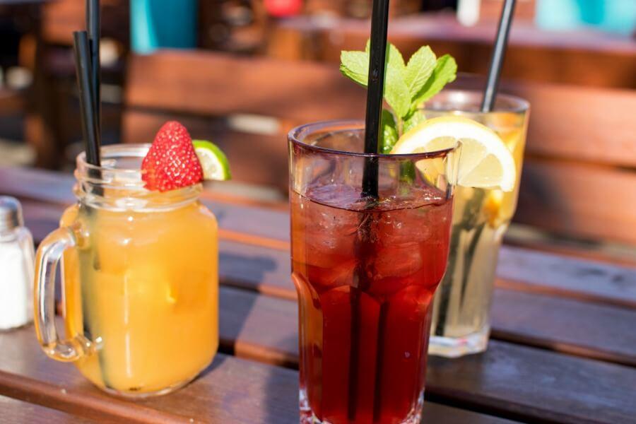 Zomer in Hamburg: koud drankje in een biergarten