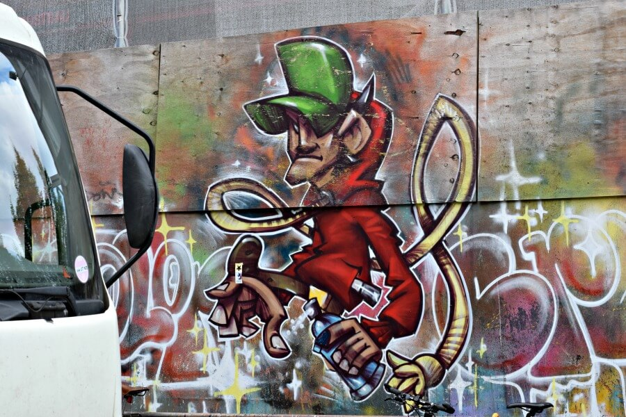 Street art bij de Viktoria-Kaserne