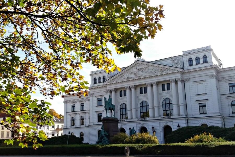 Altonaer Rathaus in de herfst