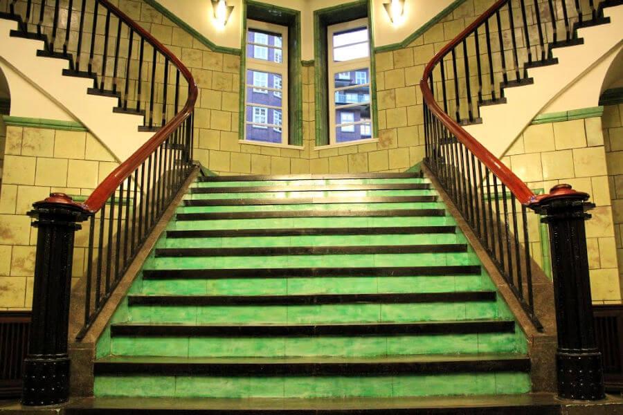 Chilehaus in het Kontorhausviertel van Hamburg: trappenhuis C