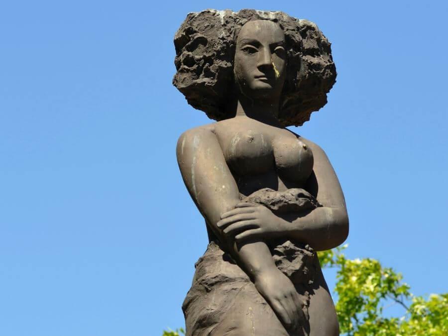 Minerva-fontein in Hamburg, aan de Fischmarkt
