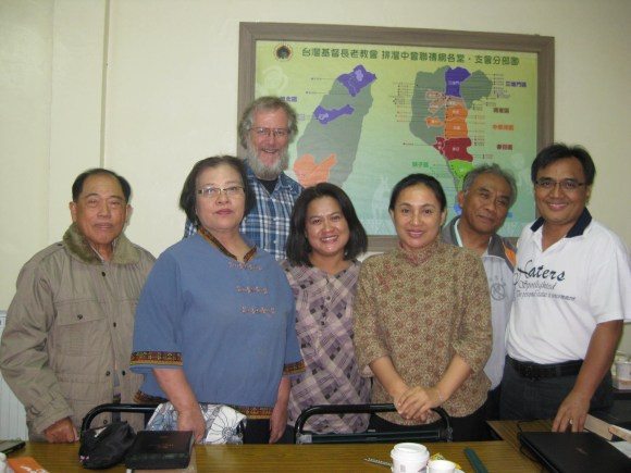 Paul McLean and some of the Paiwan translation team