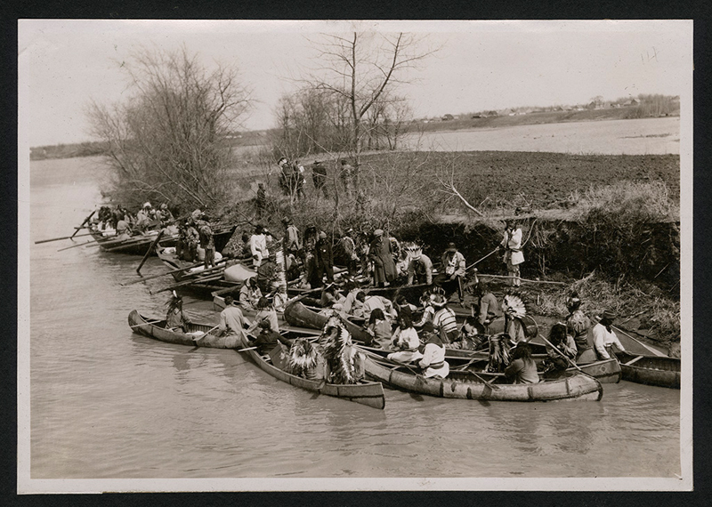 Flotilla getting ready for passage through dam on Red river at Lockport. ca 1920