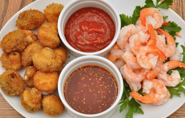 shrimp and deep fried dish with dips