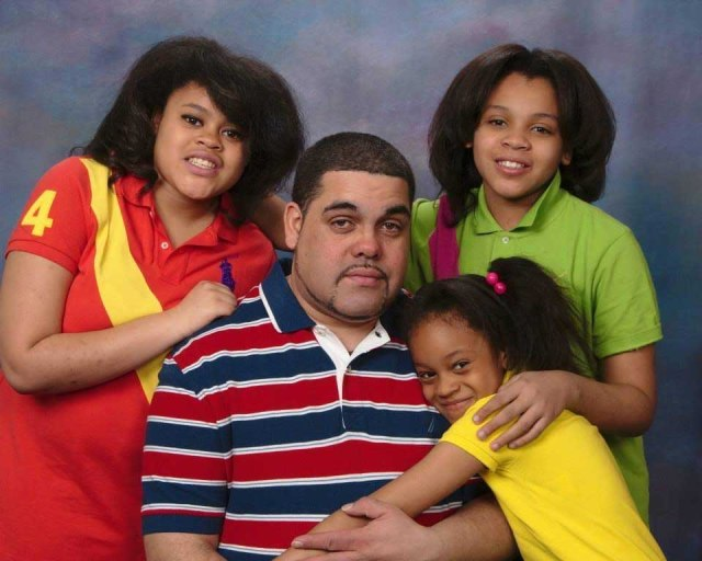 Daniel Cruz Jr and his girls in a recent photo.
