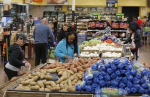 """ASSOCIATED PRESS / NOV. 27                                 People shop for food the day before the Thanksgiving holiday at a Walmart Supercenter in Las Vegas.<table role=""""presentation"""" id=""""element_WebHead1_tbl"""" class=""""mceLayout"""" style=""""width: 1481px; height: 118px;"""" cellspacing=""""0"""" cellpadding=""""0""""><tbody><tr role=""""presentation"""" class=""""mceFirst""""><td class=""""mceToolbar mceLeft mceFirst mceLast"""" role=""""toolbar""""><div id=""""element_WebHead1_toolbargroup"""" role=""""group"""" aria-labelledby=""""element_WebHead1_toolbargroup_voice"""" tabindex=""""-1""""><table id=""""element_WebHead1_toolbar1"""" class=""""mceToolbar mceToolbarRow1 Enabled"""" role=""""presentation"""" tabindex=""""-1"""" aria-disabled=""""false"""" aria-pressed=""""false"""" cellspacing=""""0"""" cellpadding=""""0"""" align=""""""""><tbody><tr><td class=""""mceToolbarStart mceToolbarStartButton mceFirst"""">                                 </td><td style=""""position: relative"""">                                 </td><td style=""""position: relative"""">                                 </td><td style=""""position: relative"""">                                 </td><td style=""""position: relative"""">                                 </td><td style=""""position: relative"""">                                 </td><td style=""""position: relative"""">                                 </td><td style=""""position: relative"""">                                 </td><td style=""""position: relative"""">                                 </td><td style=""""position: relative"""">                                 </td><td style=""""position: relative"""">                                 </td><td style=""""position: relative"""">                                 </td><td style=""""position: relative"""">                                 </td><td style=""""position: relative"""">                                 </td><td style=""""position: relative"""">                                 </td><td style=""""position: relative"""">                                 </td><td style=""""position: relative"""">                                 </td><td style=""""position: relative"""">                            """