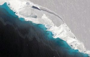 NASA/OIB/JEREMY HARBECK VIA THE NEW YORK TIMES The Thwaites Glacier helps to keep the much larger West Antarctic Ice Shelf stable. The U.N. weather agency said today that an Argentine research base on the northern tip of Antarctica is reporting a temperature that, if confirmed, could be a record high for the icy continent.